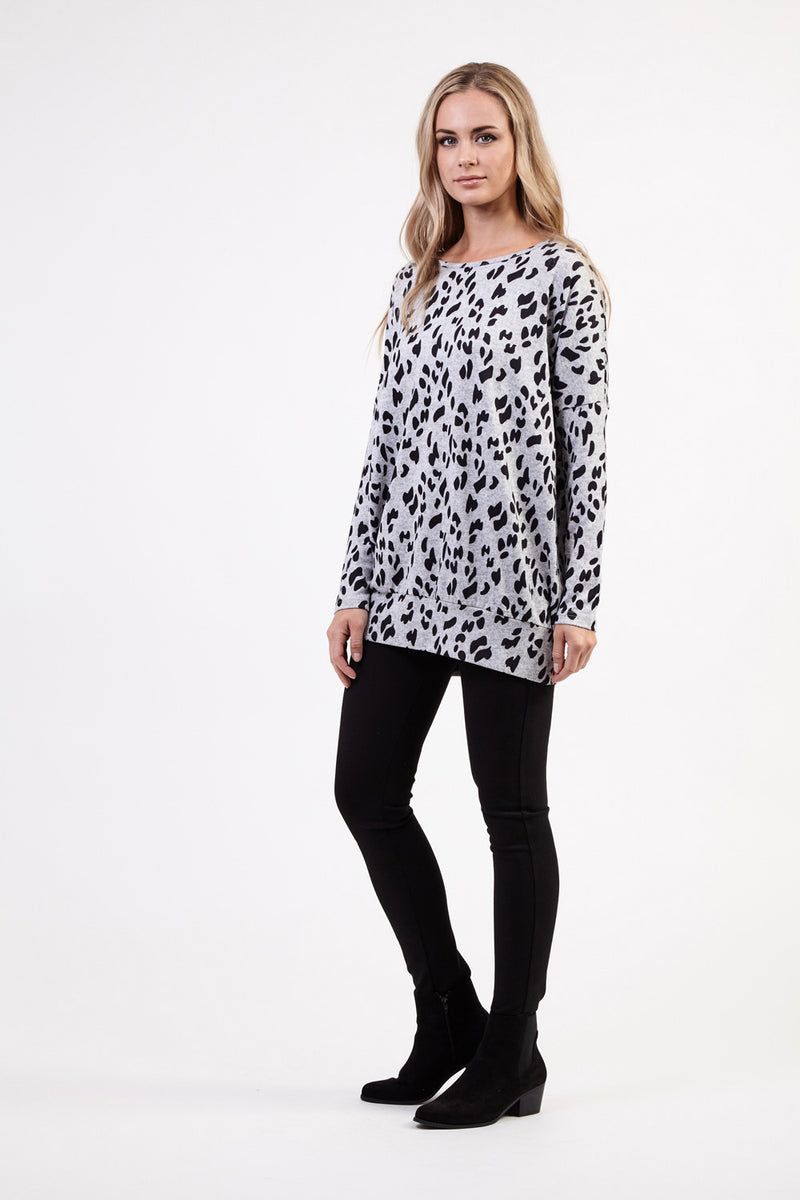 8b45e97925dec8 Leopard Print Knit Top | Izabel London
