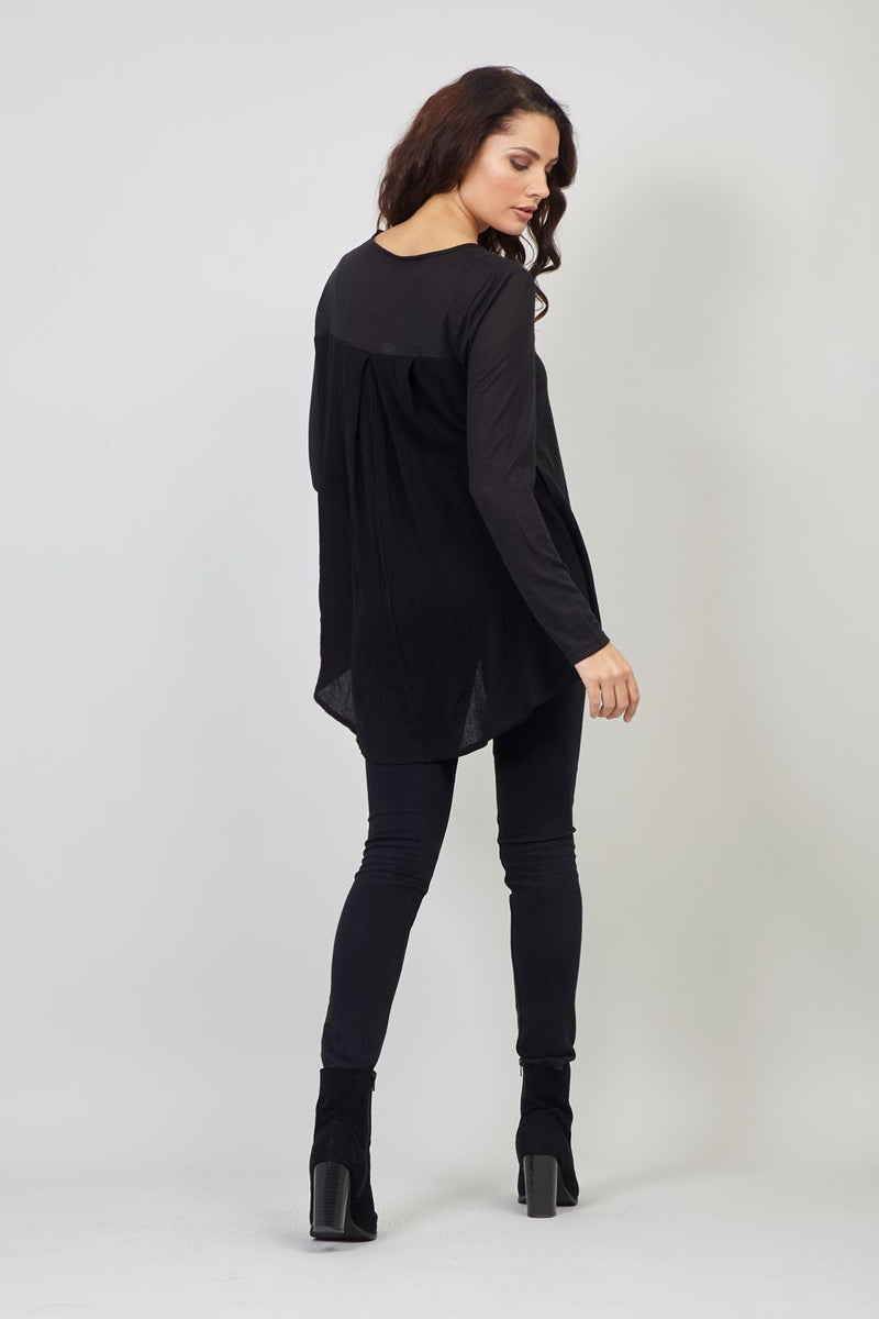 Black | Long Sleeve T-Shirt