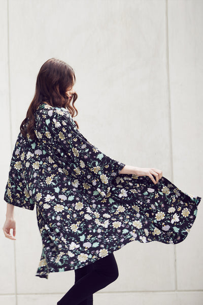 Printed Long Kimono - Izabel London