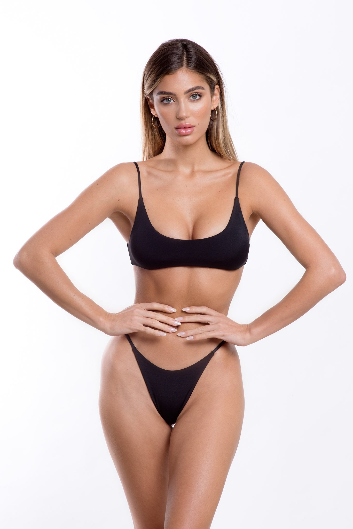 Lara Bottoms Black