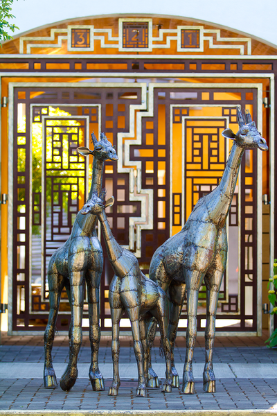 Recycled Metal Giraffe Sculpture
