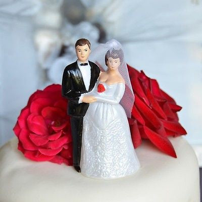 Vintage Bride and Groom Cake Topper Short Brown Hair and Veil- Le Petit Pain