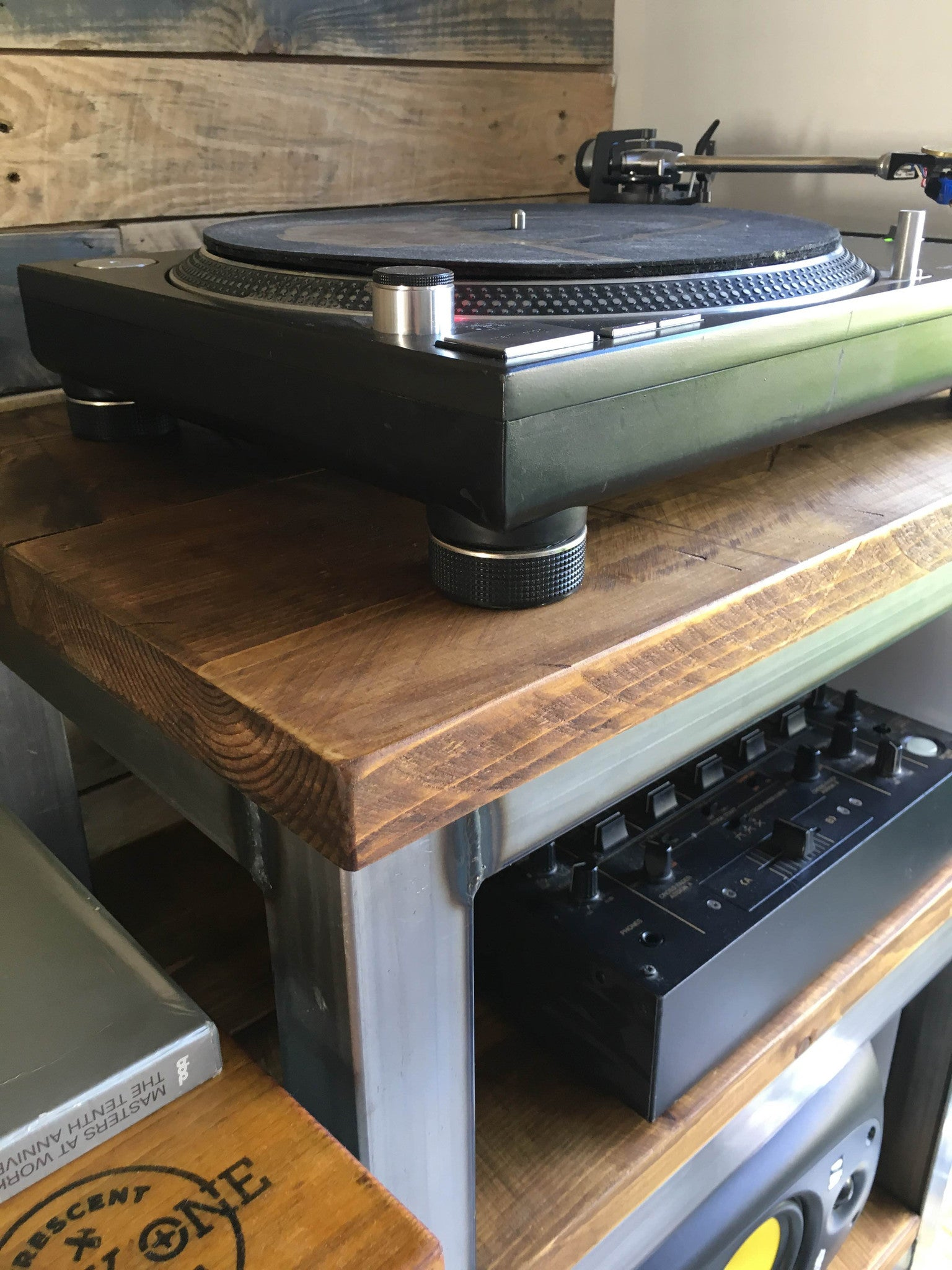 C51 Builds a home for the Industry standard Technics 1210.