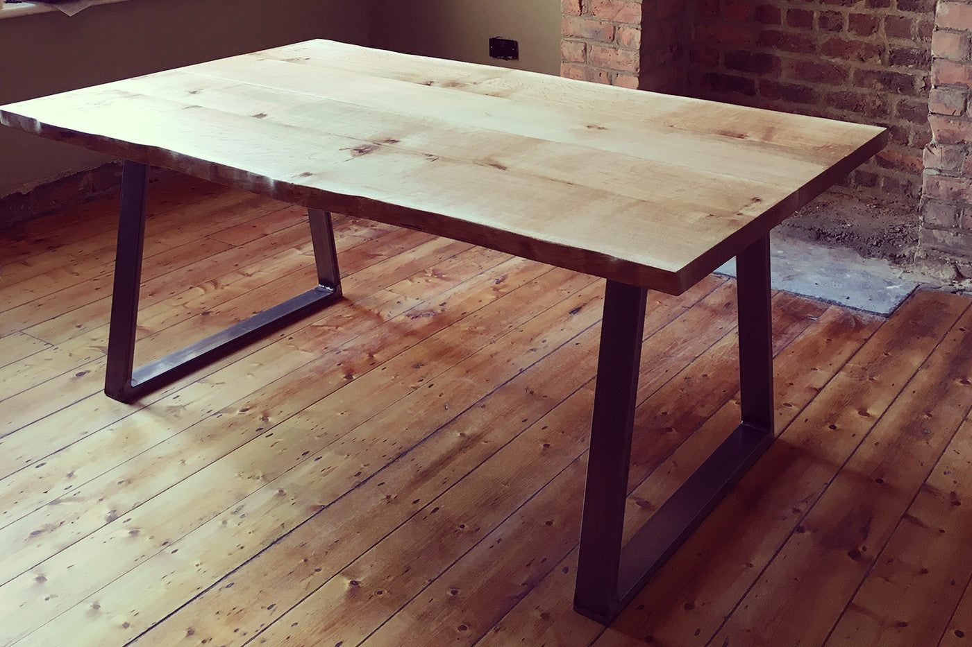 Live Edge 6/8 Seater Dining Table - Crescent Fifty One