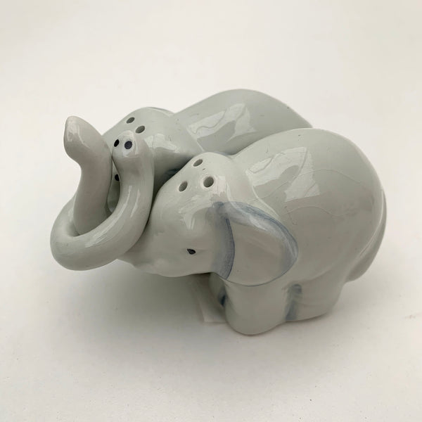 Elephant Connection Salt & Pepper Shaker Set (4418088403027)