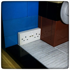 UK 3 Pin Plug Twin Socket