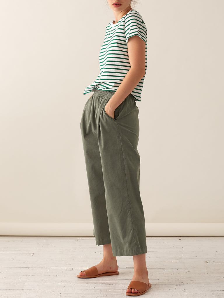Pleated Wide-leg Pull-on Pants- Fine Corduroy - Lichen