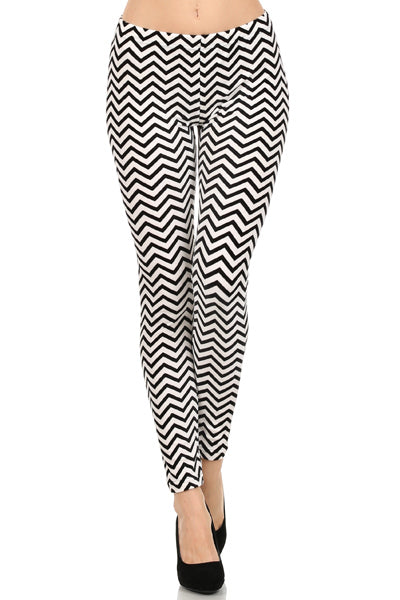 Black & White Chevron Print Leggings