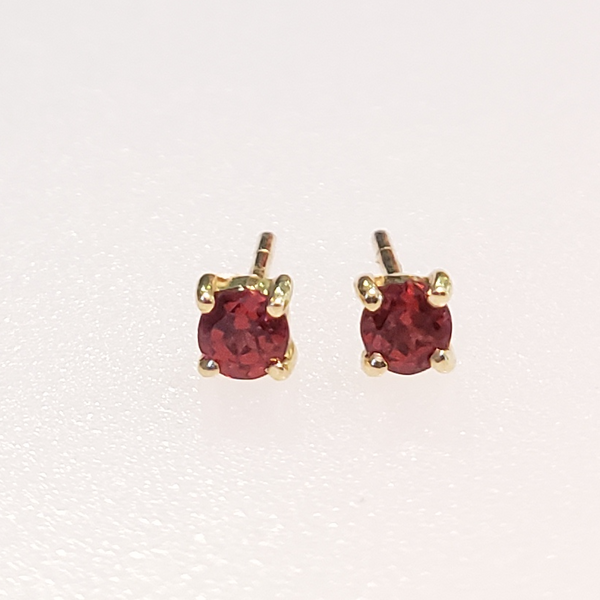 10K Yellow Gold Garnet Earrings