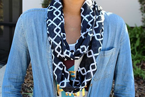 Womens Interlocking Chain Square Pattern Scarf w/ Zipper Pocket - Pop Fashion (Black) - Pop Fashion