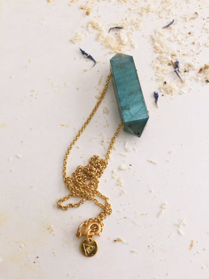 EAST WEST GRANDE PRISM NECKLACE, LABRADORITE GEMSTONE