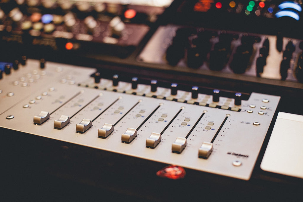 The Ultimate Home Recording Studio Equipment List