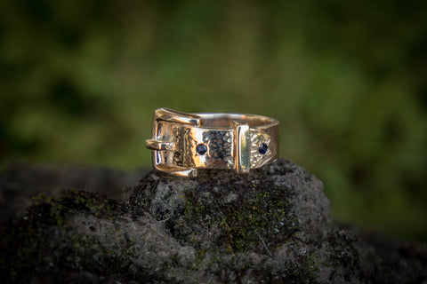 Buckle Ring 9ct Gold - Sapphires