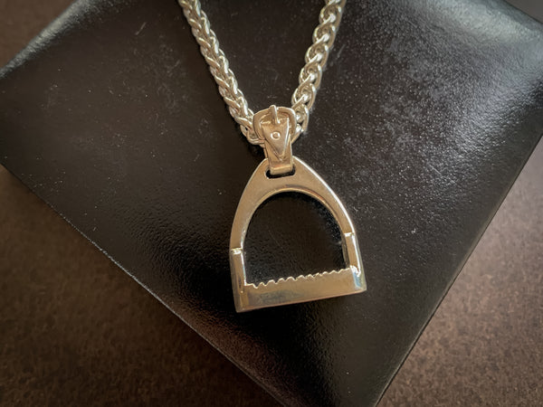 Large Stirrup Pendant Wheatsheaf Chain