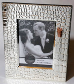 Load image into Gallery viewer, Jewish Wedding Picture Frame - Jewish Engagement Gift - 5x7 picture - Holds Shards From Chuppah