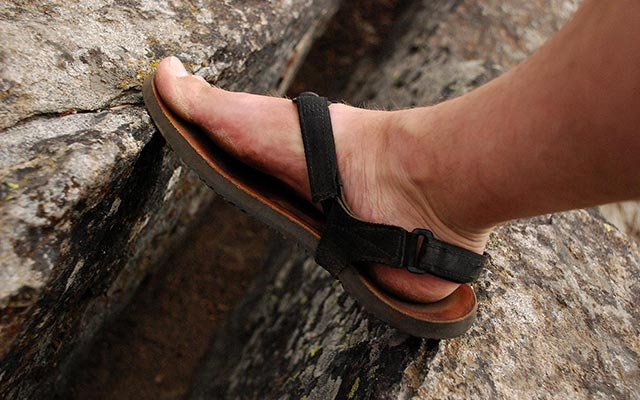Sturdy and strong, Mountain Goats sandals crossing the rocks
