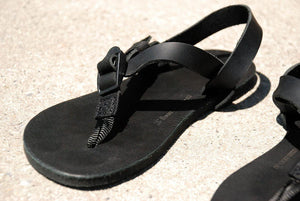 Shamma Sandals All Blacks on ground