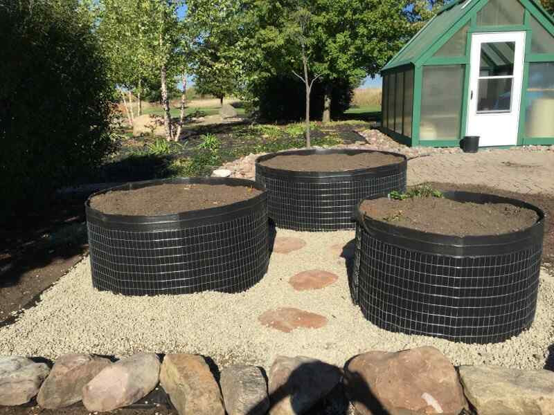 Round garden beds 2 ft high garden circles raised beds for Circular raised garden bed ideas