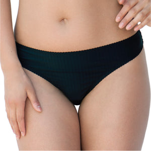 Curvy-Kate-Luxe-Black-Thong-CK2602-Front