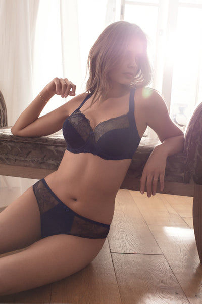 Fantasie-Lingerie-Estelle-Navy-Blue-Side-Support-Bra-FL9352NAY-Brief-FL9355NAY-Lifestyle
