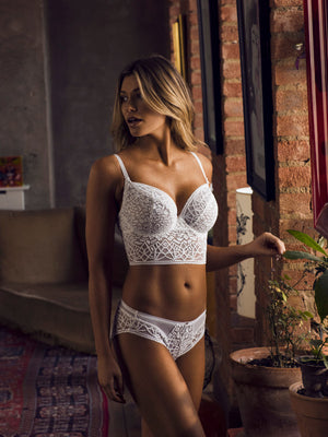 Freya-Lingerie-Soiree-Lace-White-Underwired-Bralette-AA5014WHE-Brief-AA5015WHE-Lifestyle