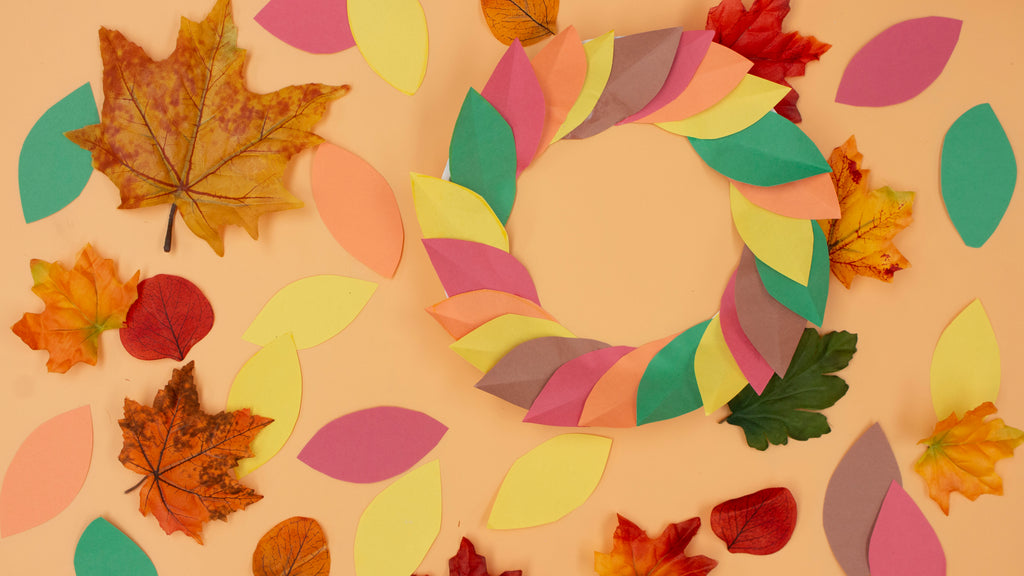 Kids paper leaf wreath craft for Fall