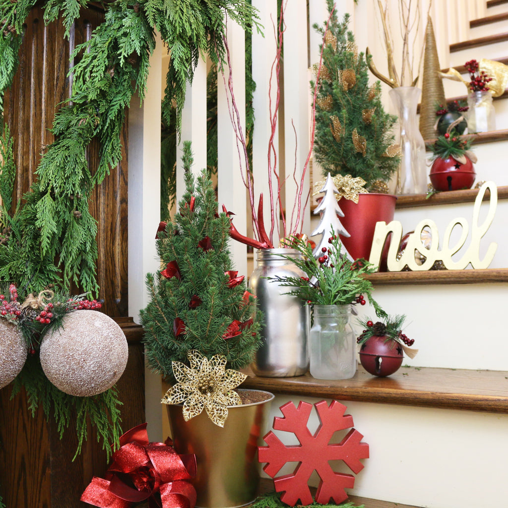 DIY Holiday Stairs Design