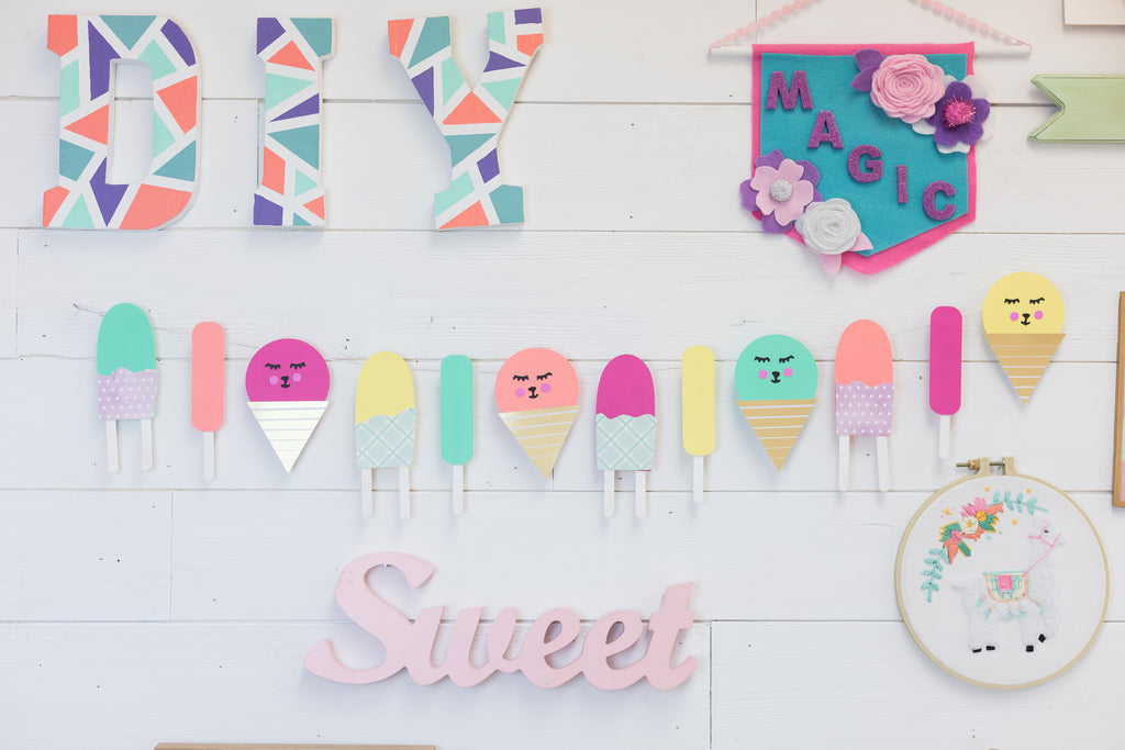 DIY Paper Popsicle Party Banner
