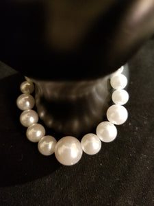Women's Pearl Necklace, Bracelet, and Earring Set