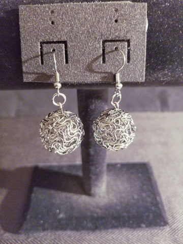 Women's Fashion Graphite Wire Earrings