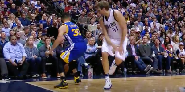 VIDEO: Curry shakes Dirk and Banks a Corner Three