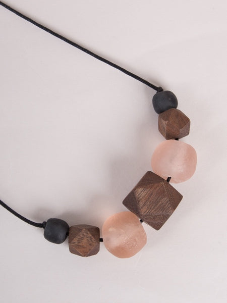 Liv Necklace Blush/Black