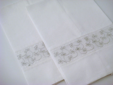 Silver Embroidered Guest Towels