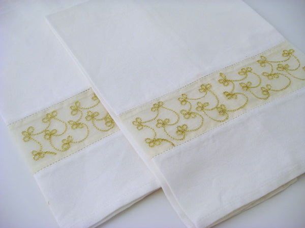 Gold Embroidered Guest Towels