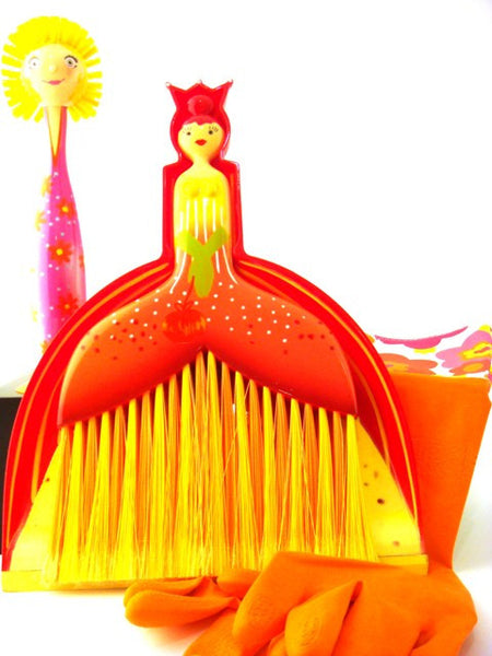 Festive Cleaning Set in Orange