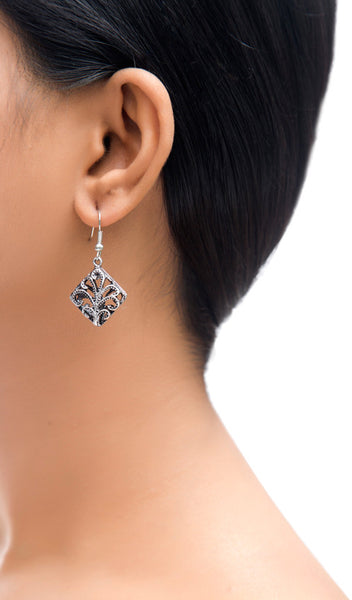 Cutwork Rhombus Drop Earrings