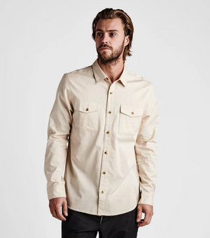 WELL WORN LONG SLEEVE BUTTON UP SHIRT