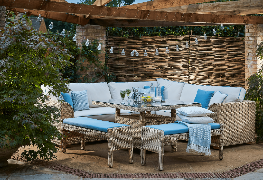 daro outdoor corner set