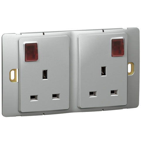 LEGRAND 13A DOUBLE SWITCHED SOCKET + LED Part No: 283115