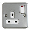MK METALCLAD 13A 1G SWITCH SOCKET OUTLET WITH NEON
