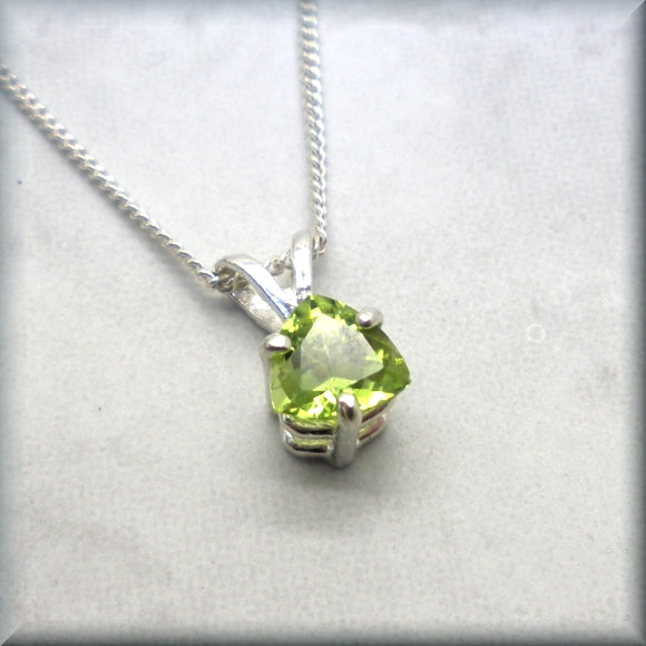 Peridot gemstone necklace trillion cut