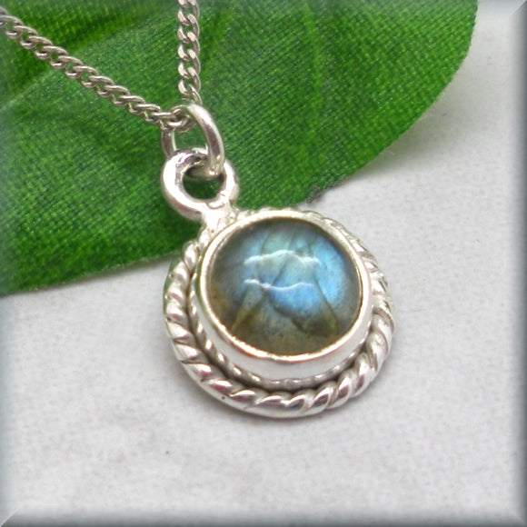 Small Round Labradorite Necklace