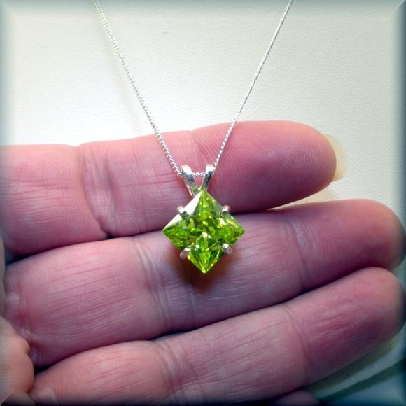 Square-Peridot-Green-Cubic-Zirconia-Necklace-Bonny-Jewelry