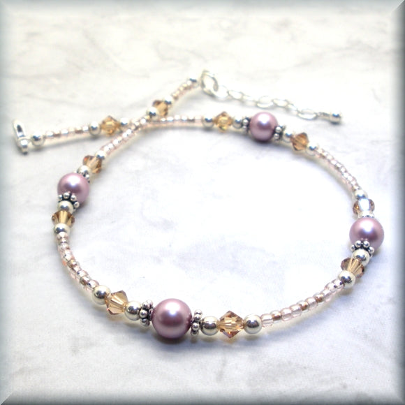 Adjustable anklet with pearls and crystals