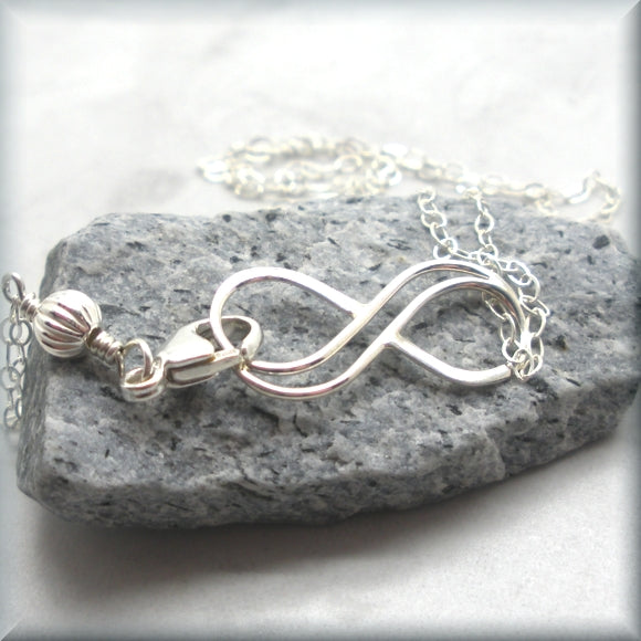 Bracelet with infinity knot accent