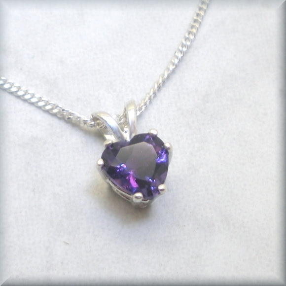Gemstone necklace in Brazilian amethyst