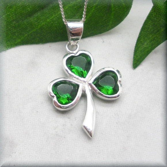 Green Shamrock Necklace - Good Luck Irish Jewelry