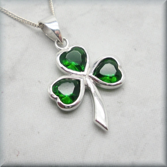 Green Shamrock Necklace - Good Luck Irish Jewelry - Bonny Jewelry
