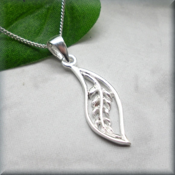 Silver Leaf Necklace - Botanical Nature Jewelry - Bonny Jewelry