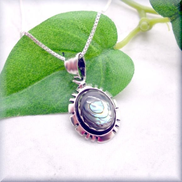 oval paua shell pendant by Bonny Jewelry